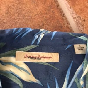 Tommy Bahama Shirts - Tommy Bahama men's short sleeve shirt